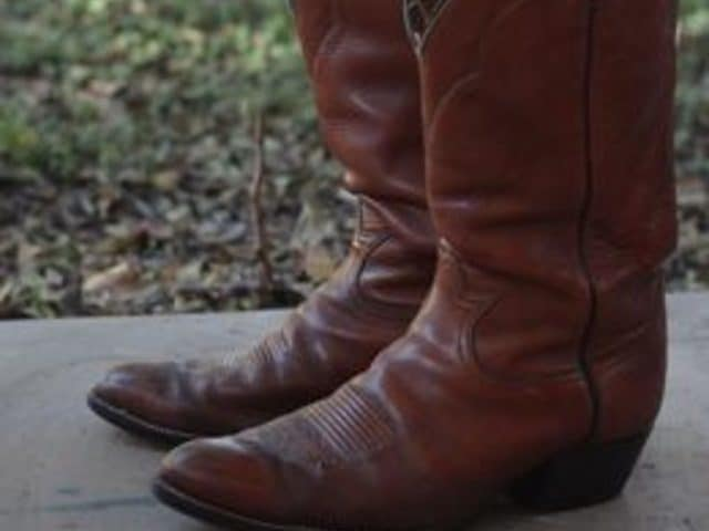 How to stretch Cowboy Boots example 1
